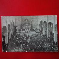 CARTE PHOTO INTERIEUR D EGLISE  LIEU A IDENTIFIER - Postcards