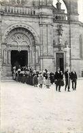 Themes Div-ref EE898- Carte Photo Non Située A Identifier - Sortie D Eglise - Procession Religieuse - - Postcards
