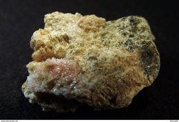 Kutnohorite With Rhodonite ( 1.5 X 1 X 1 Cm ) Valgraveglia (Gambatesa ) Mine - Genova - Italy - Minerals