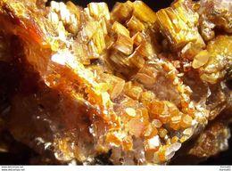 Calcite On Vanadinite (var.Endlichite)  (3 X 2.5 X 2 Cm)  - Apache Mine - Radium - Gila Co - Arizona - USA - Minerals