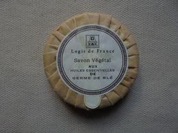 Ancien - Mini Savon Publicitaire Logis De France Savon Végétal Huiles Germe De Blé - Other