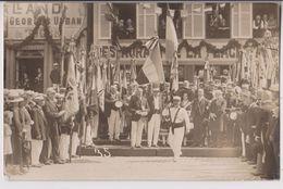 CARTE PHOTO : RESTAURANT DE LA PLACE D'ARMES -..? DU TIGRE - ETENDARD PATRIE COURAGE MORALITE - CEREMONIE MILITAIRE - - Postcards
