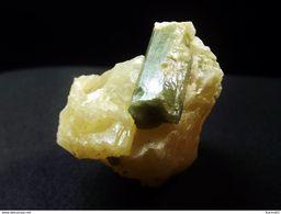 Apatite In  Yellow Calcite Matrix (2.5 X 3 X 2.5 Cm)  - Yates Mine, Otter Lake, Quebec - Minerals