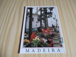 Funchal (Portugal).Petit Marché De Fleurs Près De La Cathédrale. - Madeira
