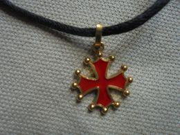 Vintage - Collier Fantaisie Cordon Avec Croix Souvenir D'Occitanie - Bijoux & Horlogerie