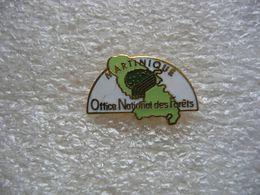 Pin's De L'Office National Des Forets De La MARTINIQUE - Città