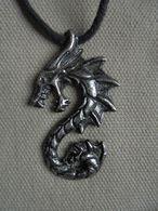 Vintage - Collier Fantaisie Signe Astrologique Dragon - Bijoux & Horlogerie