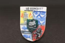 Fève De La Série ECUSSONS DU FINISTÈRE ( Blason ) - Le Conquet - Prime 1994 - (Réf. 012) - Regions