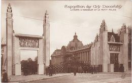 F0247 PARIS - EXPOSITION INTERNATIONALE DES ARTS DÉCORATIFS 1925 - LA PORTE D'HONNEUR ET LE PETIT PALAIS - Mostre