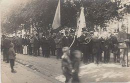 CARTE PHOTO ALLEMANDE - GUERRE 14-18 - TRAUER PARADE - BONN ? (Nr. 2) - Guerre 1914-18