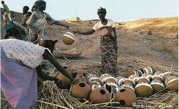 ~  JP  ~   NIGER    ~      Potiéres De BOUBON .  Préparations De La Cuisson Des Canaris   ~ - Niger