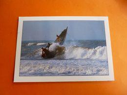 Sénégal Kayar Spectaculaire Franchissement De La Barre Par Des Pecheurs   ' écrite  ) Photo Maurise Ascani 'bateau - Sénégal