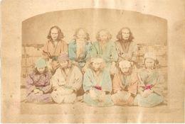 JAPON Photographie Originale Tirage Albuminé Aquarellé Ca 1880 - Famille Aux Cheveux Longs - Filles Soumises ! - Old (before 1900)