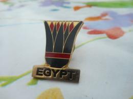 A059 -- Pin's Egypt -- Exclusif Sur Delcampe - Villes