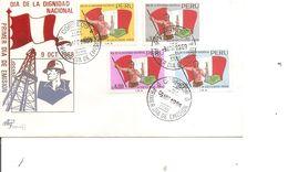Drapeaux  ( FDC Du Pérou De 1969 à Voir) - Covers