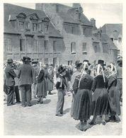 LOCRONAN La Place Un Dimanche  1944 - Old Paper