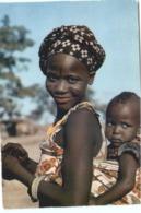 CARTE POSTALE - L AFRIQUE EN COULEUR - JEUNE MAMAN - POSTEE AU SENEGAL - Sénégal