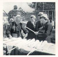 QUEMENEVEN KERGOAT  Marchandes De Cierges à Notre Dame  1944 - Old Paper