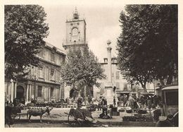 AIX EN PROVENCE Place De L' Hôtel De Ville  Un Jour De Marché 1931 - Old Paper