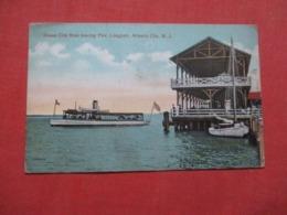 New Jersey > Atlantic City>  Ocean City Boat Leaving Pier Longport    Ref 4130 - Atlantic City