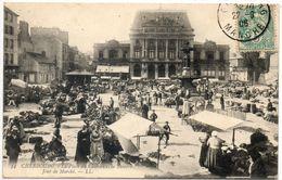 50  CHERBOURG  La Place Du Château Et Le Théâtre Jour De Marché - Cherbourg