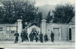N°141 R -cpa Grenoble -la Caserne Vinoy -infanterie- - Caserme