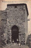 CPA CABRIES (B-du-Rh) - Entrée Du Vieux Château - Autres Communes