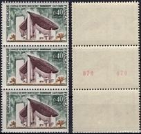 FRANCE 1435b ** MNH Chapelle De Ronchamp Du Corbusier :  N° Rouge Double Roulette (CV 7,00 €) [GR] - Rollo De Sellos