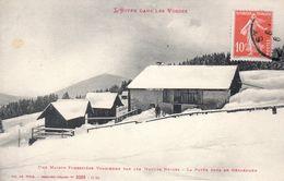 L' HIVER DANS LES VOSGES  -  Une Maison Forestière Vosgienne Par Les Hautes Neiges  -  La Rayée, Près De Gérardmer - France