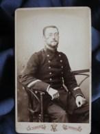 Photo CDV A. Vinmer à St Quentin (Aisne) - Militaire Sergent Du 124e D'infanterie, Circa 1885-90 L508 - Photographs