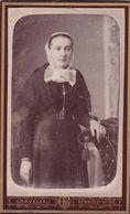 Photos Originale CDV Graveleau Rennes  Bretonne Debout Avec Coiffe & Costume De Rennes Ou Environs 1880  Ref 552 - Photos