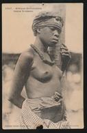 AFRIQUE OCCIDENTALE  JEUNE SOUSSOU  NUDE   ABIME  VOIR SCAN - Postcards