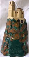 Ancienne Bouteille Céramique 23 Cm Rocher  St Michel  Un Maurin - Licor Espirituoso