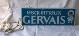 Enseigne Lumineuse  Esquimaux GERVAIS    42 Cm X 14 Cm  X 5 Cm  Clignote - Advertising (Porcelain) Signs