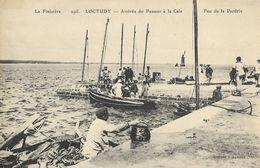 CARTE POSTALE ORIGINALE ANCIENNE : LOCTUDY  ARRIVEE DU PASSEUR A LA CALE PHARE FEU DE LA PERDRIX  ANIMEE  FINISTERE (29) - Loctudy