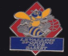 65444-Pin's.Levallois Sporting Club Basketball.Guepe. - Honkbal