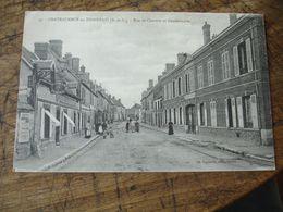 Cpa 28 Chateauneuf En Thimerais Gendarmerie Rue De Chartres - Châteauneuf