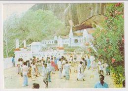 SRI LANKA - AK 380385 Rock Temple Dambulla - Pakistan