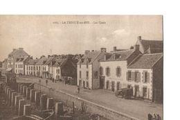 LA TRINITE SUR MER (Morbihan), Les Quais (rare Vue Avec Animation Et Automobile) - La Trinite Sur Mer