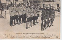 CPA Les Nouveaux Uniformes De L'infanterie (française) - ... Avec Pantalon Rouge ... - Uniformes