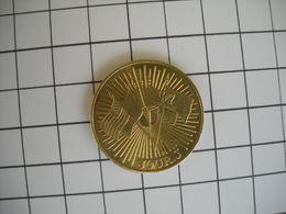 1304   Jeton Médaille  Jour J 50e Anniversaire  1944 1994   Drapeaux  Soldats Débarquement - France