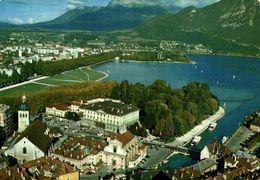 Annecy Vue Aerienne Sur Le Quartier De L'hotel De Ville Le Lac Et Le Champ De Mars    CPM Ou CPSM - Annecy