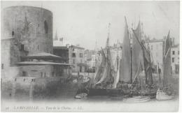 LA ROCHELLE - TOUR DE LA CHAINE - CARTE PRECURSEUR AVEC SUPERBE ANIMATION MARINE - DEBUT 1900 - La Rochelle