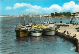 56 Port-Louis, Le Port, Beau Plan Des Chalutiers Amarrés - Port Louis