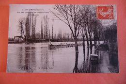 CPA 16 CHARENTE SAINT SIMON. Vue Des Chantiers De Constructions De Gabarres. - France