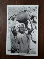 L9/33 LIBYE . UNA PORTATRICE D'ACQUA - Libya