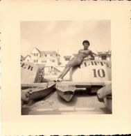 Loire Atlantique, La Baule, Femme, Pedalos, Vacances, Lot De 3 Photos        (bon Etat)  Dim : 8 X 8. - Orte