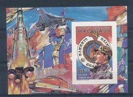 MADAGASCAR - BLOC NON DENTELE NEUF** SANS CHARNIERE PROGRAMMES LANCES PAR LE GENERAL DE GAULLE TGV CONCORDE FUSEE - De Gaulle (Général)