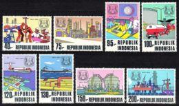 Indonesia, 1974, Pertamina Oil Refinery, MNH, Michel 797-804 - Indonesia
