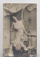 Jolie Femme Et Son Petit Chien - 1905 - Frou Frou - Animée - Women